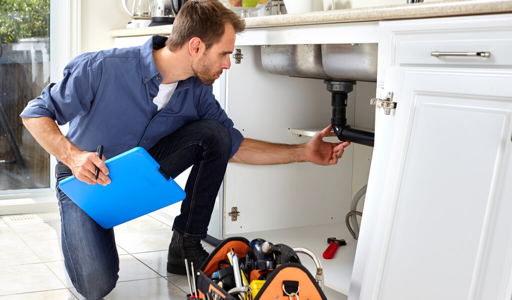 Benefits of hiring a plumber