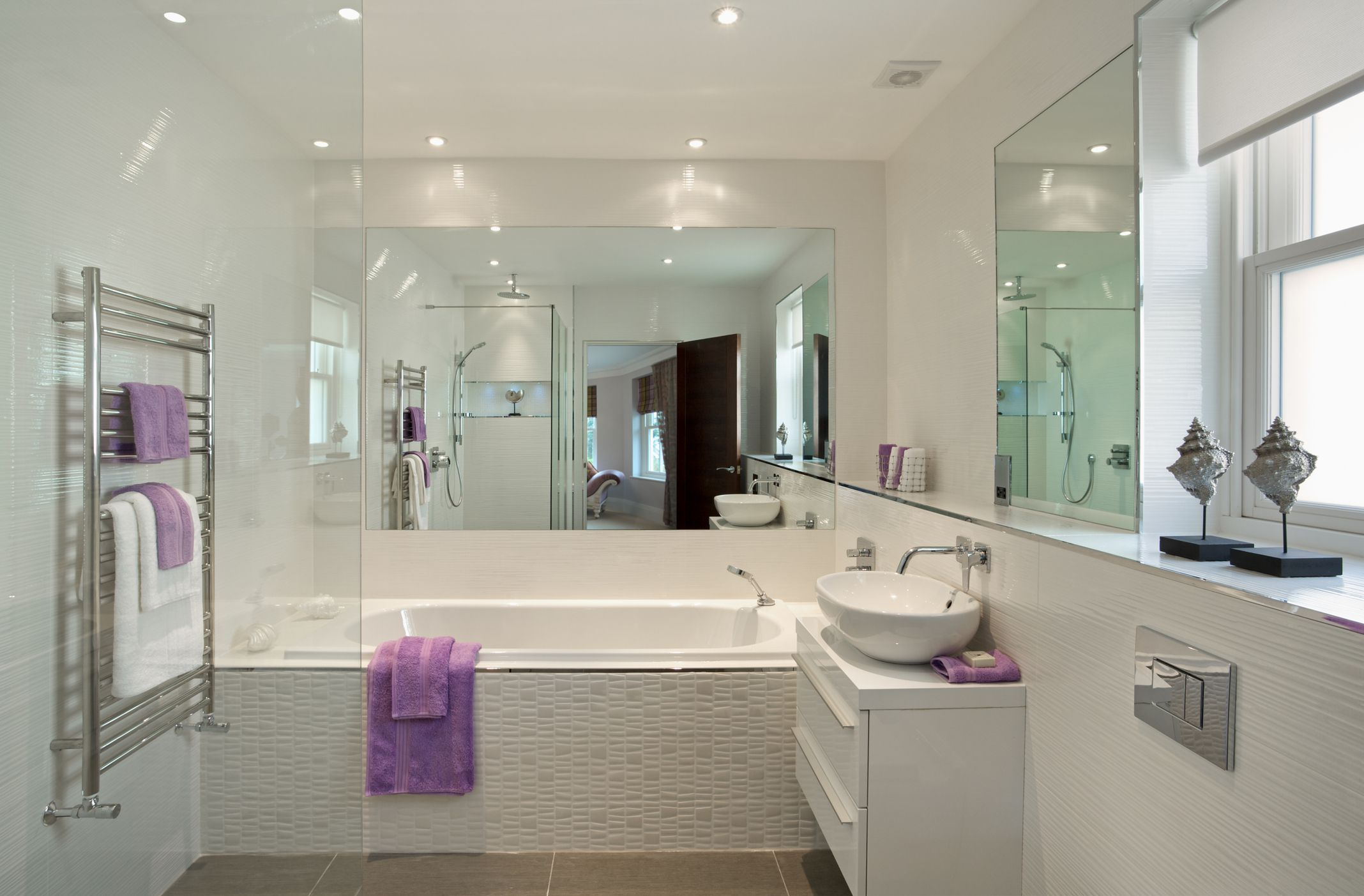 Five Features to Consider When Remodelling Your Guest Bathroom