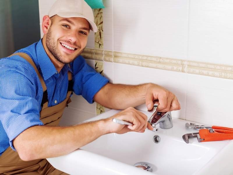 How to Choose The Right Plumber For Your Home
