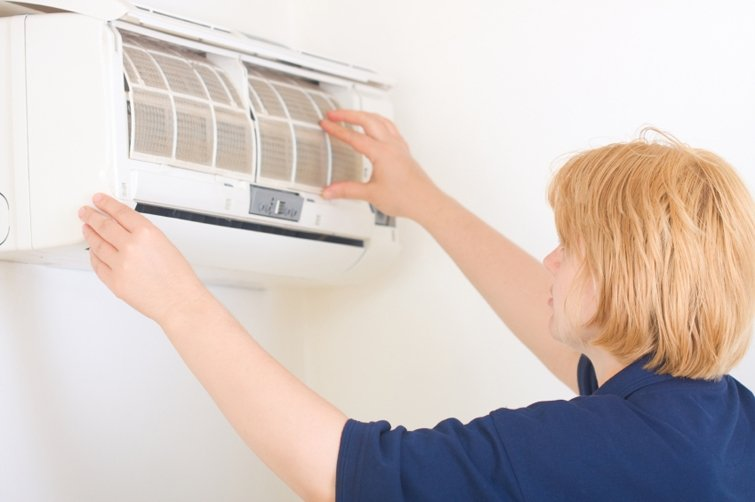 What Is the Right Time to Service the Home Air Conditioners?